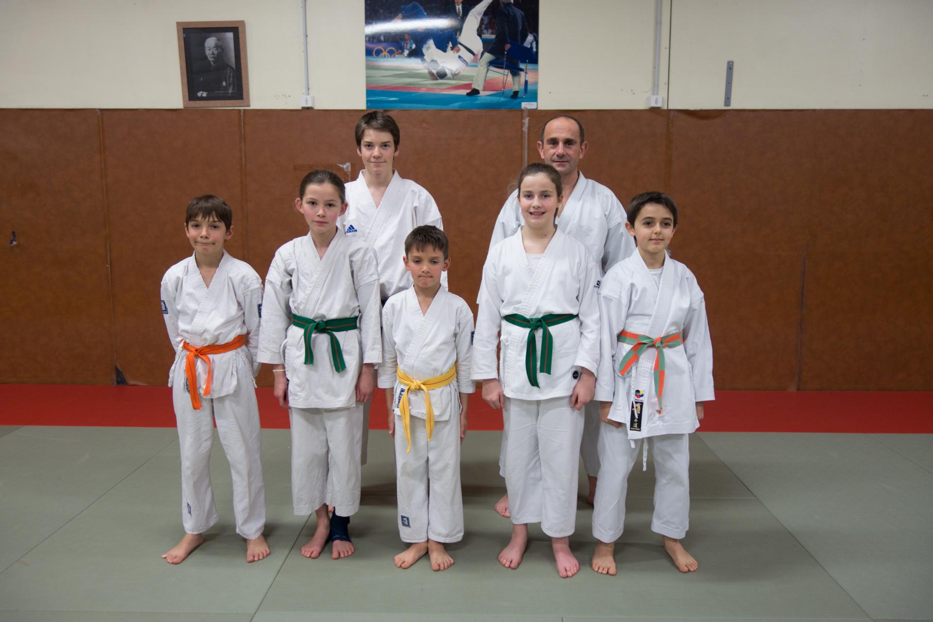 Laurent Riccio avec les jeunes compétiteurs